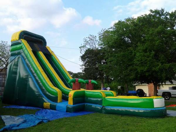 Several Inflatables for Sale, Start Your own Bounce House Business - $900 (Waxahachie)
