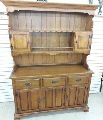 NICE FURNITURE-HUTCHDRESSERTABLES WCHAIRS MORE AUCTION 1121 7 (HUBBARD-30 MILES EAST OF WACO)