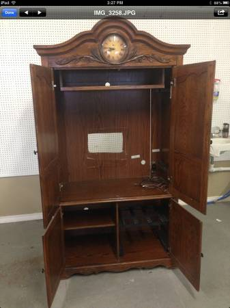 Oak Armoire with Clock - x0024175 (Robinson )