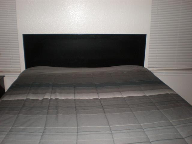 250  Bedroom Set  Moving  Must Sell   250