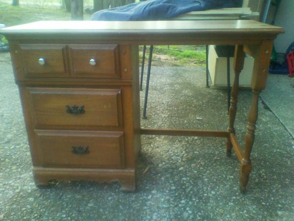 Desk, Heavy Dresser, and Sears Stereo Console - $25 (Bellmeadwaco)