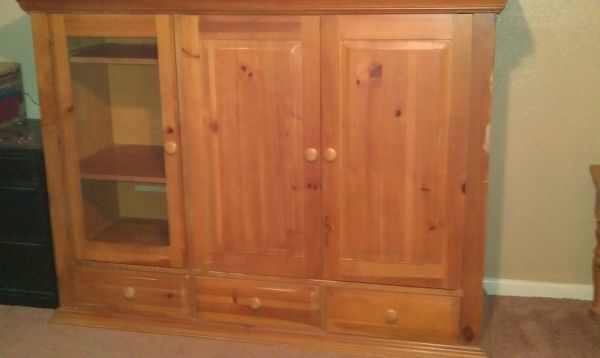 Broyhill entertainment center and 2 matching end tables - $200 (Clifton)