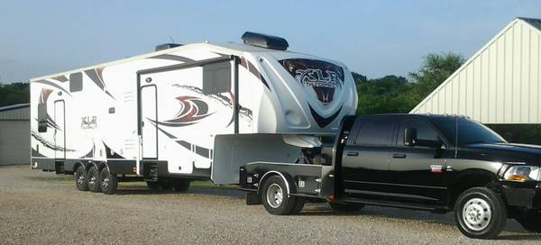2013 5th Wheel Thunderbolt XLR -   x0024 55000  Axtell