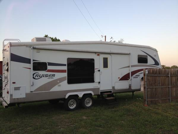 2006 Crossroads Cruiser 5th Wheel -   x0024 14000  Gatesville
