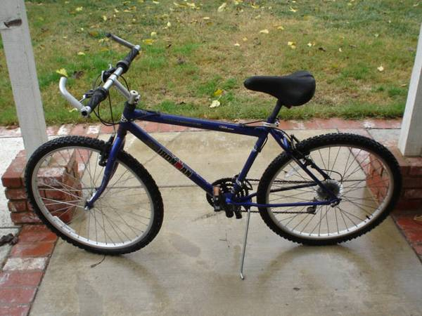 2006 Huffy Ironman Triathlon SE mountain bike - $150 (Waco )