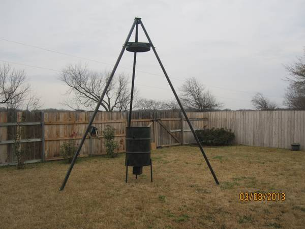 Crank Up Deer Feeder - $275 (China Spring)