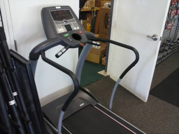 Used Treadmill- AFG - $600 (Central)