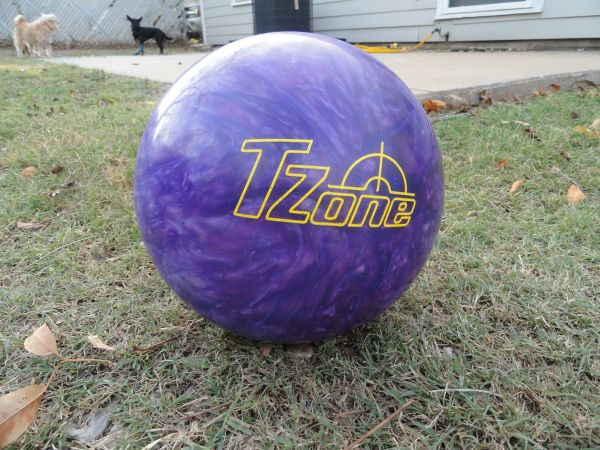 BOWLING BALL - $25 (CENTRAL WACO)
