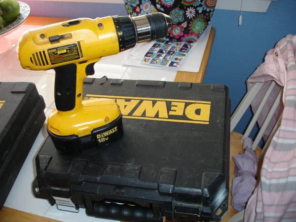 DeWalt 18 Volt Cordless DriLL with Case and Charger - $75 (Waco)