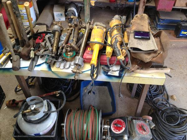 Welding supplies. Victor torches, leads, grinders - $1 (Mexia, Tx)