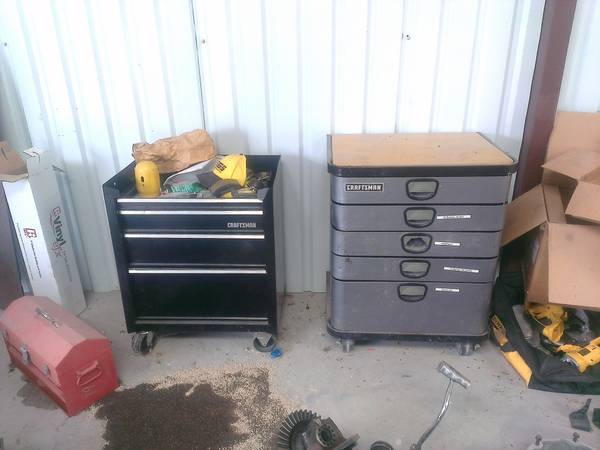 Craftsman Tool boxes Roll around CHEAP - $30 (Elm Mott)