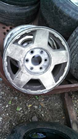 6 lug chevy wheels - $100 (mcc)