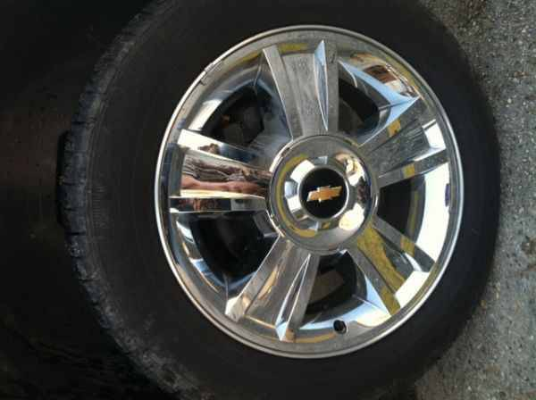 2013 CHROME TEXAS EDITION SILVERADO STOCK 20S ON GOODYEAR TIRES NEW - $1000