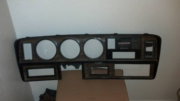 89-93 cummins woodgrain dash - $100 (Bryan Waco)