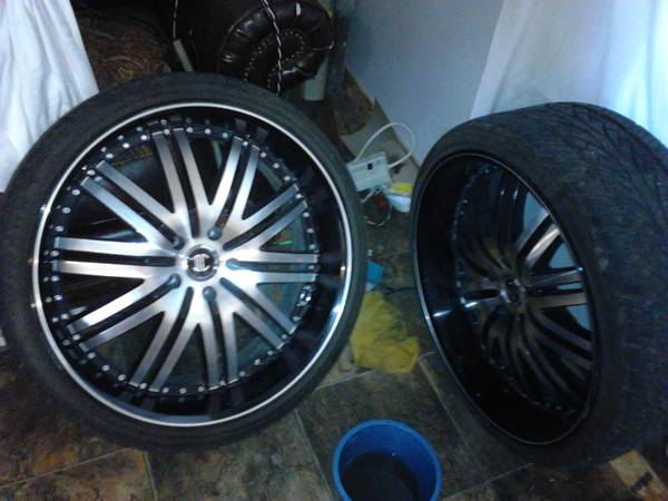 22 inch wheels caprice EG grille - $1 (waco)