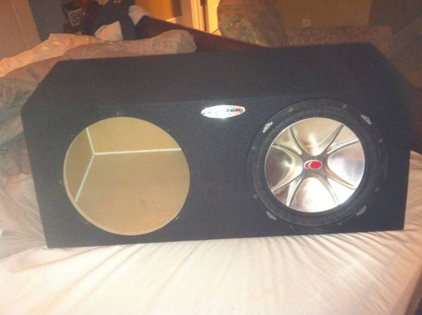 DUAL 12 Ground Shaker Sealed Subwoofer Box CP212 (kicker not included - $85 (West,Texas)