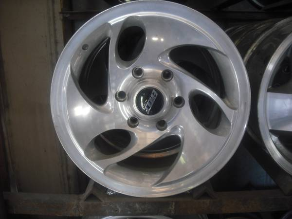 Eagle Alloy 16 Aluminum Rims - Fits Chevrolet GMC - $150 (Waco)