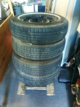 Set of 67Ford Mustang Rims w Tires - x0024175 (Waco)