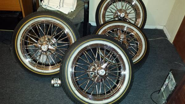 17 super swangas TEXAN WIRE WHEELS - $1