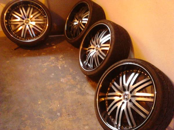 22 inch wheels  - $450 (waco)