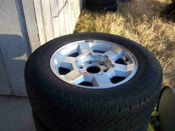 2005 GMC 17 Rims with BF Goodrich Rugged Trail TA Tires (Set of 4) - $450 (Bosqueville)