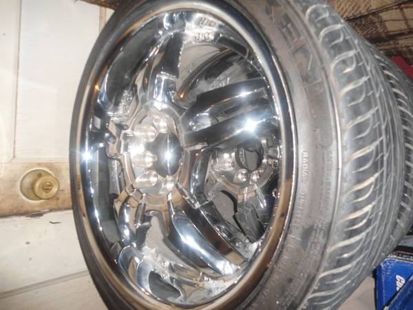 new set 17s chrome rims set low pro.tires for sale. - $1500 (located in Calvert, Tex.)
