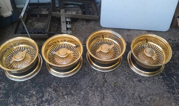 all gold 13 spokes rims - $400 (waco)