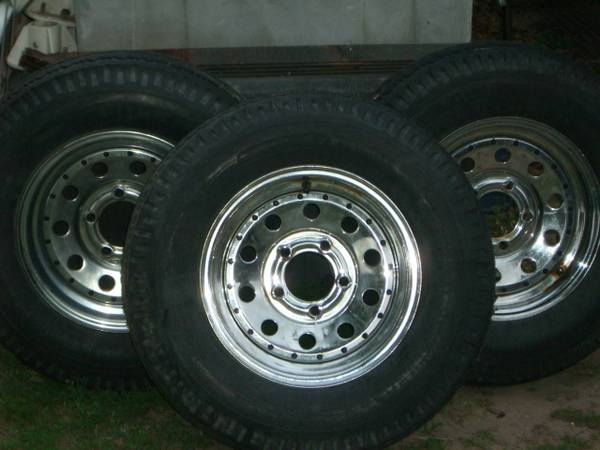 wheels tires for boat - $100 (Lk Limestone)