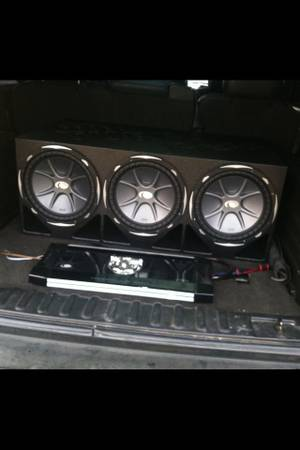 Wtt cvx kicker $1,500 sound system for rims (Waco)