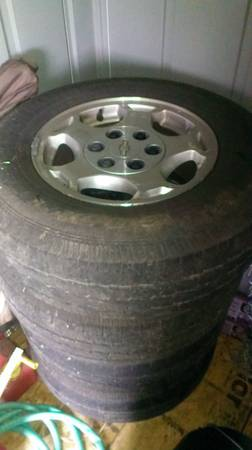 chevy 6 lug wheels and tires - $160 (crawford)