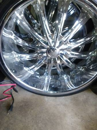 24 inch rims with big lips - $950