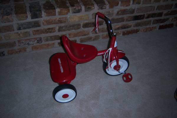 Radio Flyer tricycle - $20 (Woodway)
