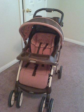 Graco Pink Stroller... Like New Condition... - $25 (Waco)