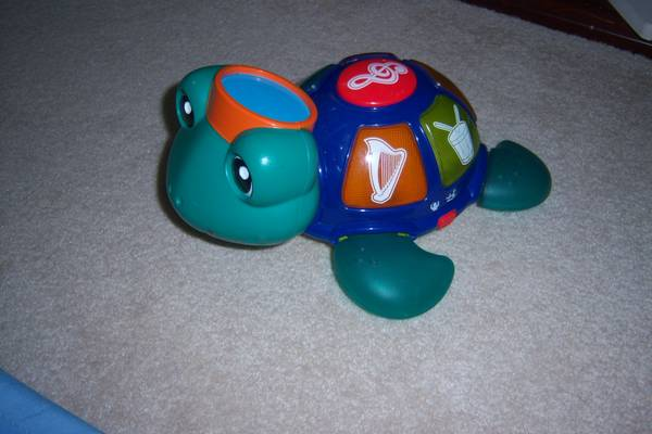 Baby Einstein musical light up turtle toy - $8 (Woodway)
