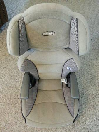Evenflo Car Booster seat - $20 (China Spring)