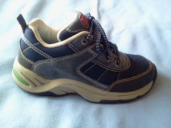 Toddler Boy Stride Rite Shoes - Size 11 (Robinson Area)