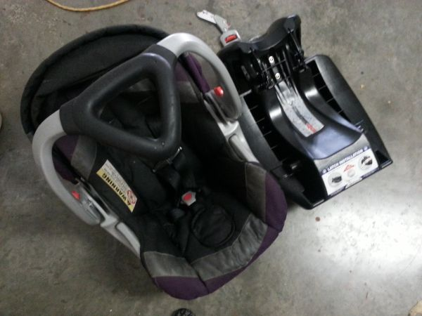 jogging stroller with carseat (baby trend) - $70 (bellmead)