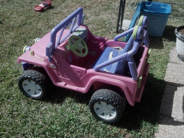 POWER WHEELS BARBIE JEEP - $50 (HEWITT)