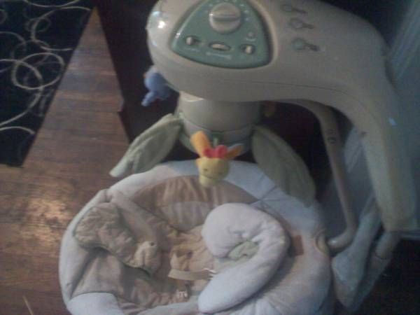 NATURES TOUCH BABYS CRADLE SWING LIKE NEW - $45 (Waco )