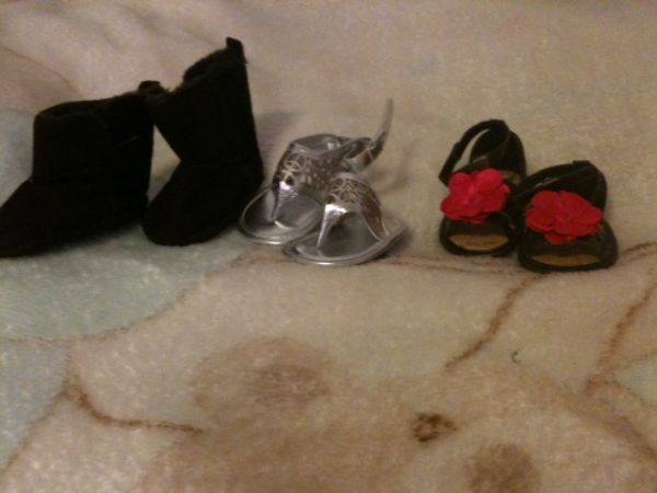 Baby shoes and girl jeans and baby clothes (Lorena)