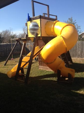 Rainbow Play Clubhouse with spiral slide - $1800 (Waco)