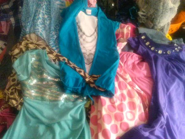 gettn ready for a g sale tons of name brand kids clothes (s waco)
