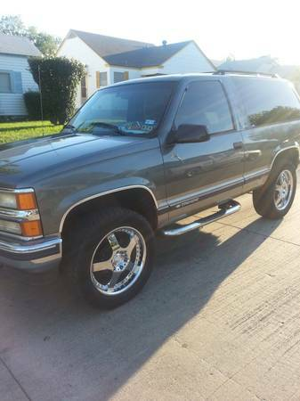 1999 Chevrolet Tahoe 2 DOOR 4X4- obo - $4600 (burleson south fort worth)