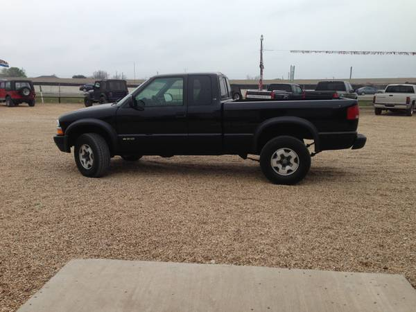2001 chevrolet ZR2 4x4 3rd door extended cab - $5900 (will deliver H.O.T. park n sell x345 I35n)
