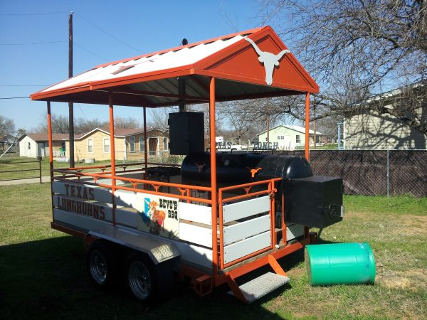 TEXAS LONGHORNS BBQ SMOKERTRAILER MUST SEE - $9000 (Waco, Texas)