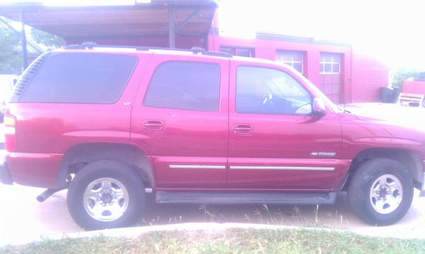 2002 Chevy Tahoe LT with 3rd row - $3500 (temple)