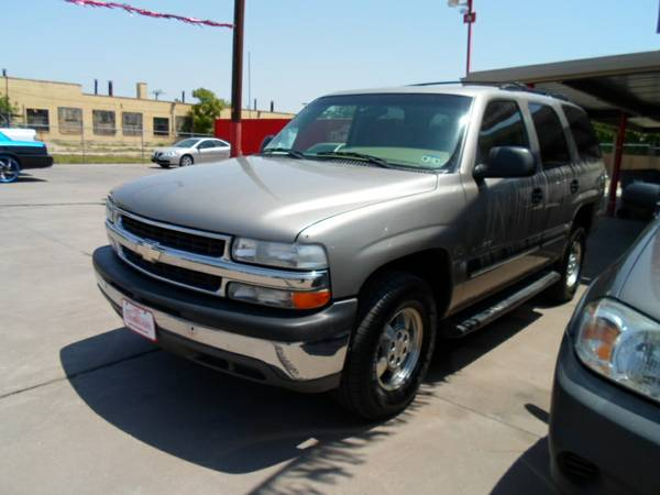 2001 Chevrolet Tahoe (The Car Barn )