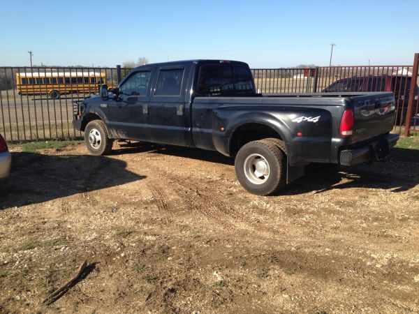 02 Ford F350 4x4 7.3 dually - $9000 (McGregor)
