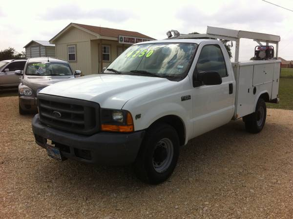 FORD F250 With UTILITY BED  - $4250 (LORENA)