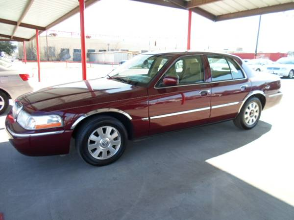 2000 Ford Crown Victoria (The Car Barn )